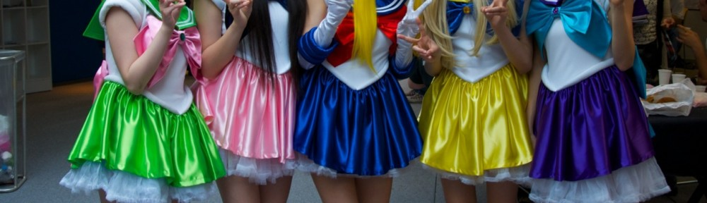 Momoiro Clover Z dressed as Sailor Moon characters