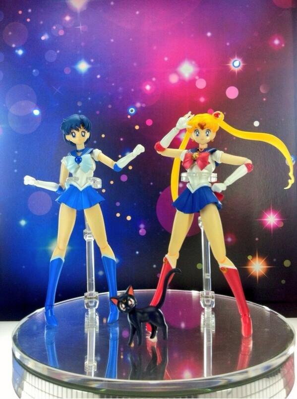 Sailor Mercury and Sailor Moon S. H. Figuarts figures