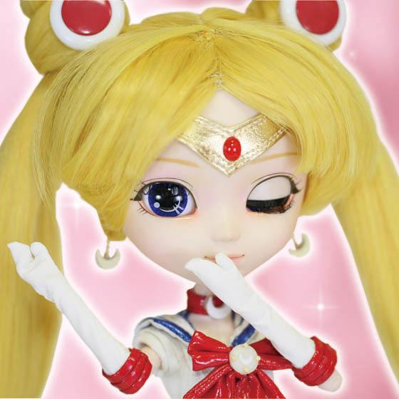 Sailor Moon Pullip doll winking