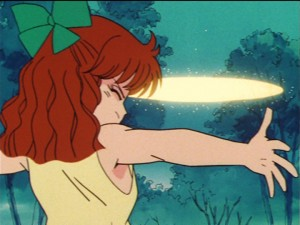 Sailor Moon episode 23 - Naru blocking Sailor Moon's tiara