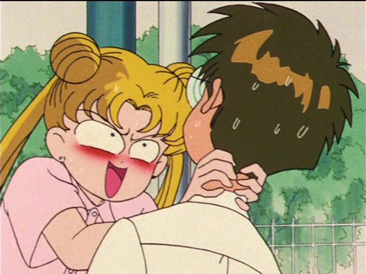 Sailor Moon episode 26 - Usagi strangling Umino