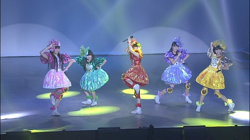 Sailor Moon La Reconquista Musical DVD - Special features - Momoiro Clover Z performing Moonlight Densetsu