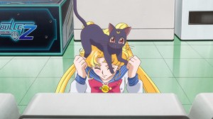 Sailor Moon Crystal Act 4 - Luna on Usagi's head