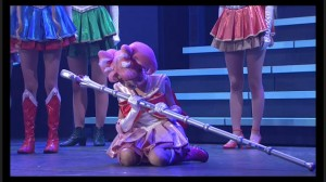 Sailor Moon Petite Étrangère musical - Sailor Chibi Moon mourns Sailor Pluto