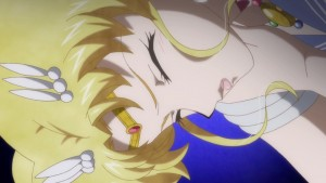 Sailor Moon Crystal Act 24 - Sailor Moon injured