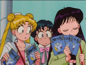 Sailor Moon SuperS episode 134 - Rei has 3 books for autographs