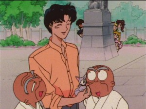 Sailor Moon SuperS episode 136 - Rei's grandpa scoping out Mamoru