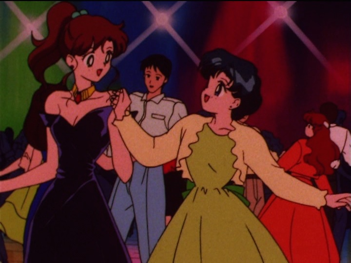 Sailor Moon SuperS episode 147 - Makoto and Ami dancing