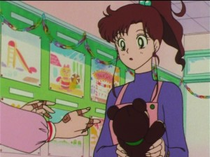 Sailor Moon SuperS episode 154 - Minako fixes Makoto's bear