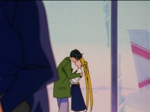 Sailor Moon Sailor Stars episode 173 - Mamoru kisses Usagi at the airport