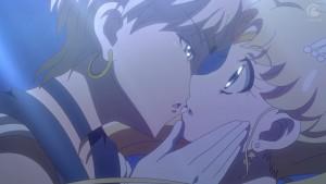 Sailor Moon Crystal Act 28 - Sailor Uranus kissing Sailor Moon