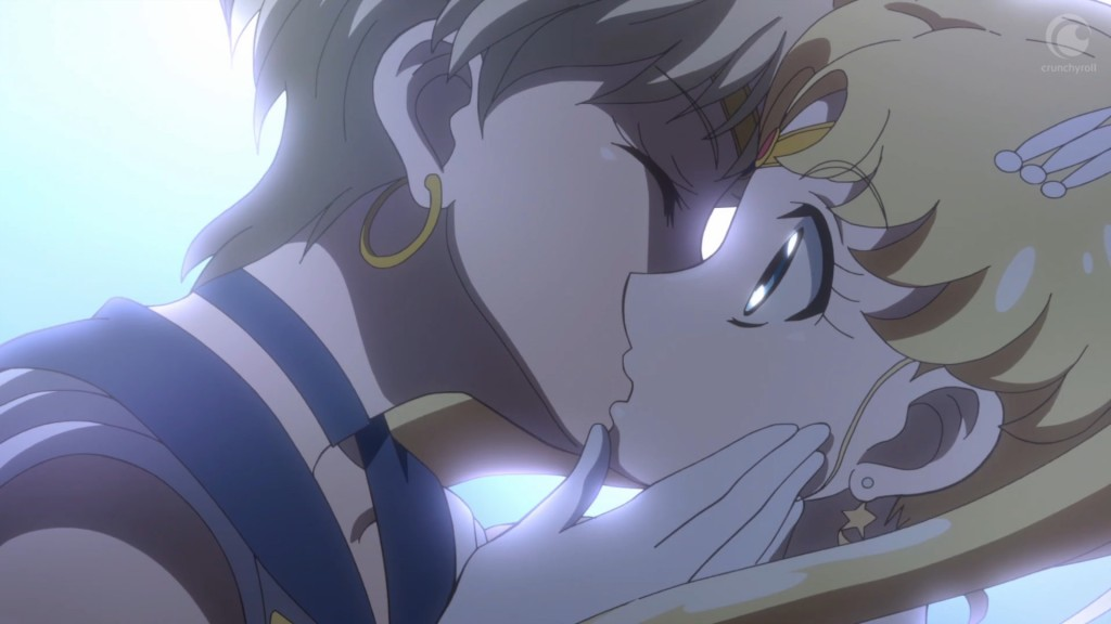 Sailor Moon Crystal Act 28 - Sailor Uranus kissing Sailor Moon