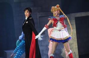 Pretty Guardian Sailor Moon Amour Eternal Musical - Tuxedo Mask and Sailor Moon