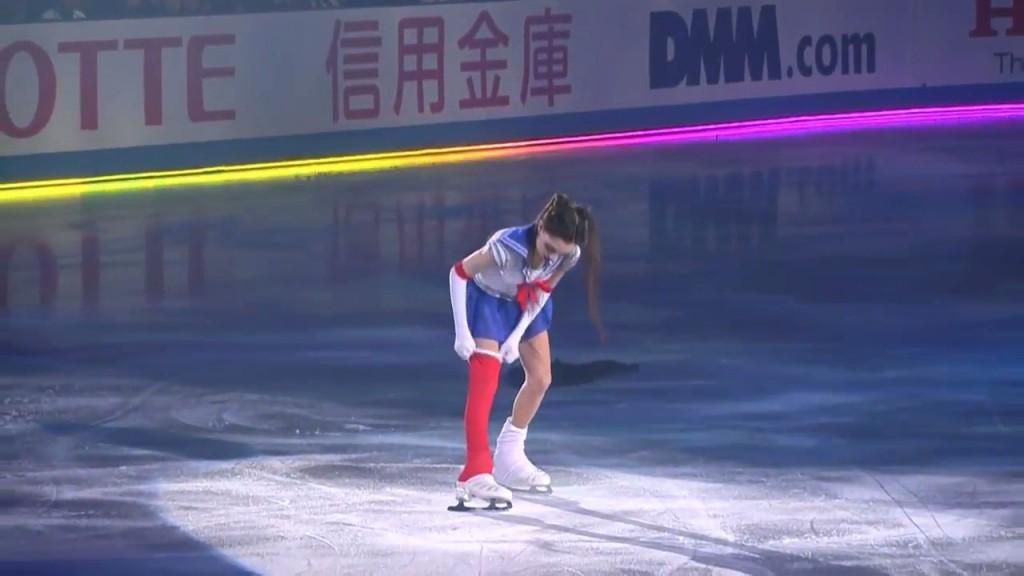 Evgenia Medvedeva's Sailor Moon Figure Skating Routine - Usagi transforms into Sailor Moon