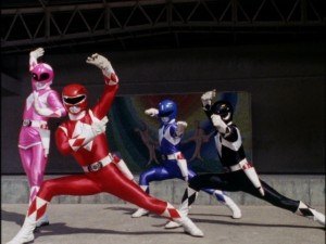 Kyoryu Sentai Zyuranger episode 16 - Zyurangers in front of the mural