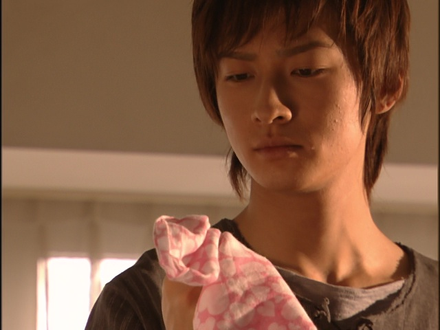 Live Action Pretty Guardian Sailor Moon Act 9 - Mamoru finds Usagi's handkerchief