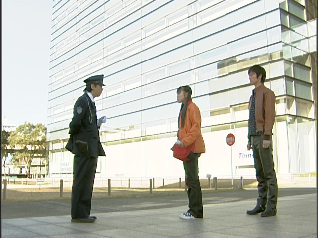 Live Action Pretty Guardian Sailor Moon Act 15 - Usagi and Mamoru talk to an incompetent cop