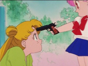 Sailor Moon R episode 60 - Japanese DVD - Chibiusa points a gun at Usagi - Interlacing artefacts
