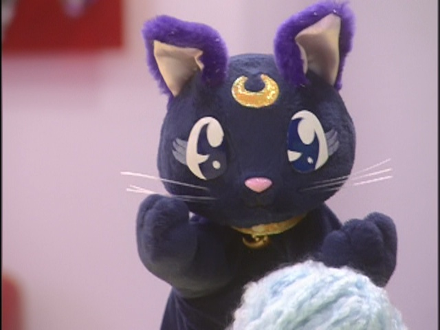 Live Action Pretty Guardian Sailor Moon Act 20 - Luna plays with yarn