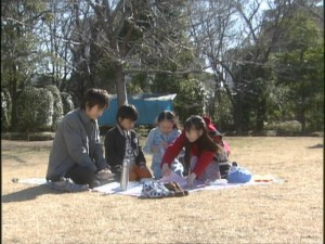 Live Action Pretty Guardian Sailor Moon Act 20 - Mamoru, Daichi, Hikari and Usagi having a picnic