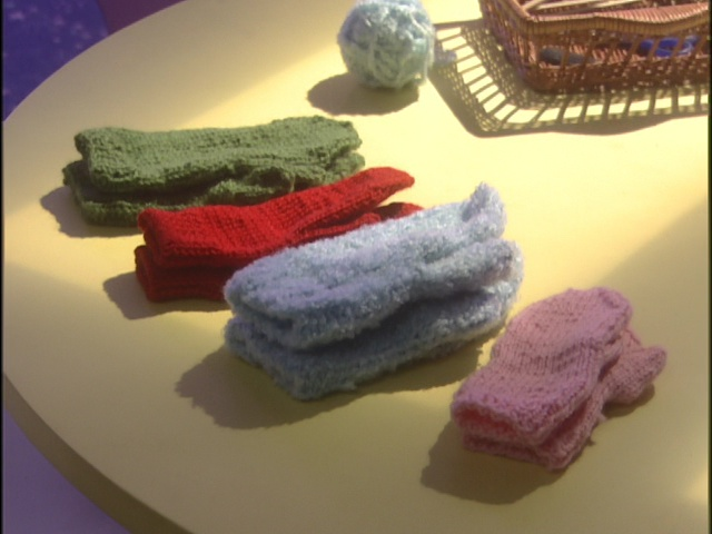 Live Action Pretty Guardian Sailor Moon Act 20 - Mittens Ami knit for her friends
