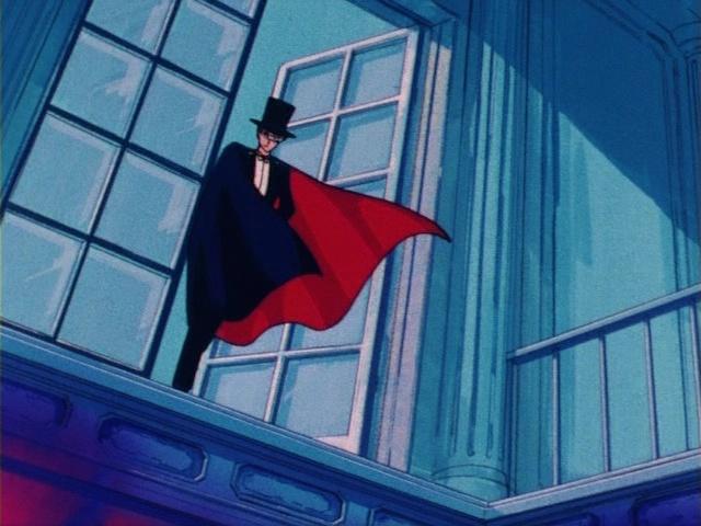 Sailor Moon episode 1 - Tuxedo Mask appears