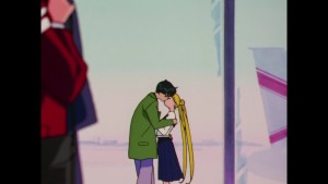 Sailor Moon Sailor Stars Viz Blu-Ray - Mamoru and Usagi kiss in the airport