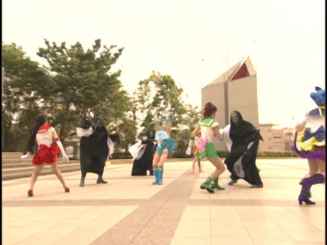 Live Action Pretty Guardian Sailor Moon Act 37 - Sailor Guardians fighting Putty type monsters